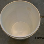 003-Bucket Liners - clean bucket