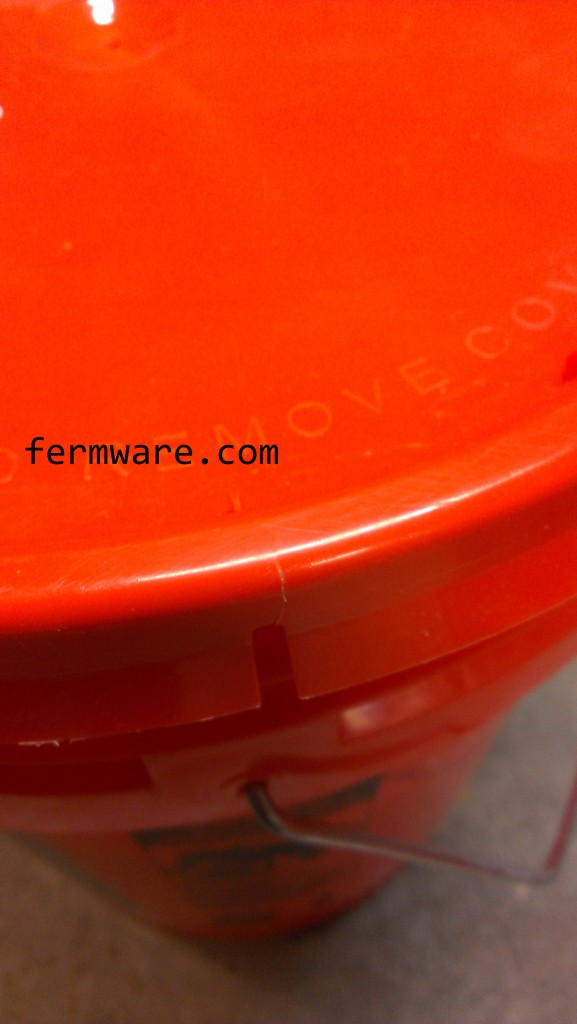 008-Grain Storage-These lids crack too